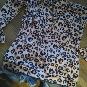 Tops - New silky cheetah print off- shoulder top (M)